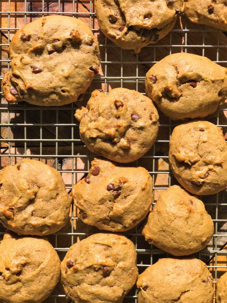 Vegan Chocolate Chip Cookies with Peanut Butter & Banana.